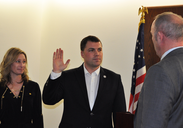 Josh Thiel takes the oath of office as a Leesburg Town Council Member