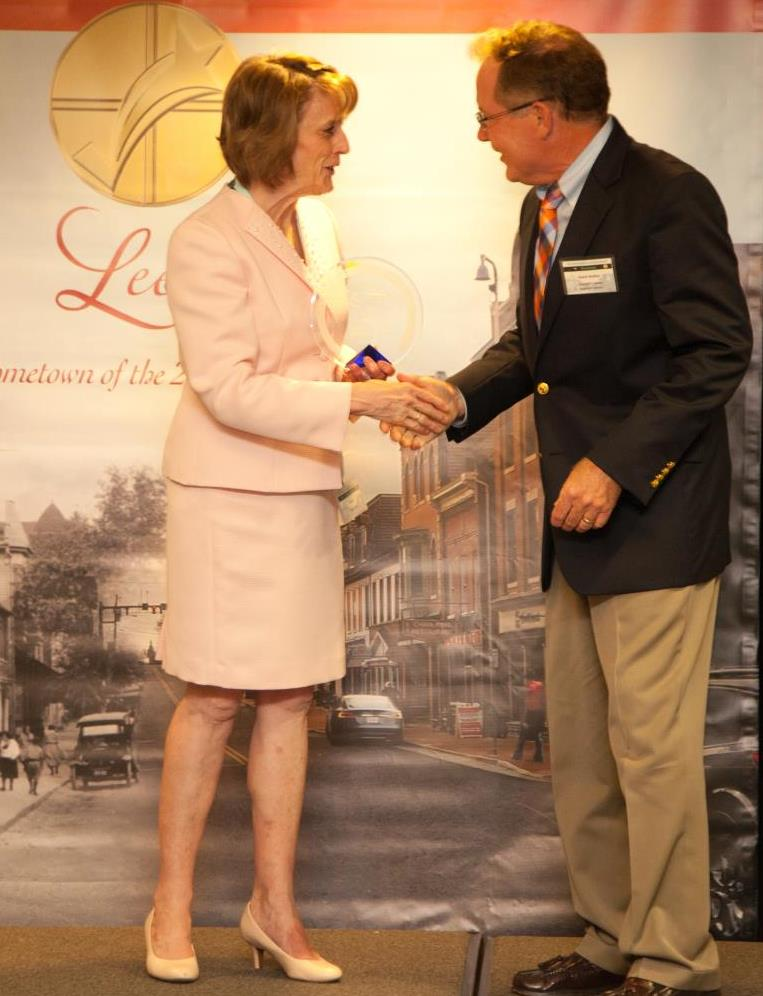 Award presentation at the Leesburg Business Awards.