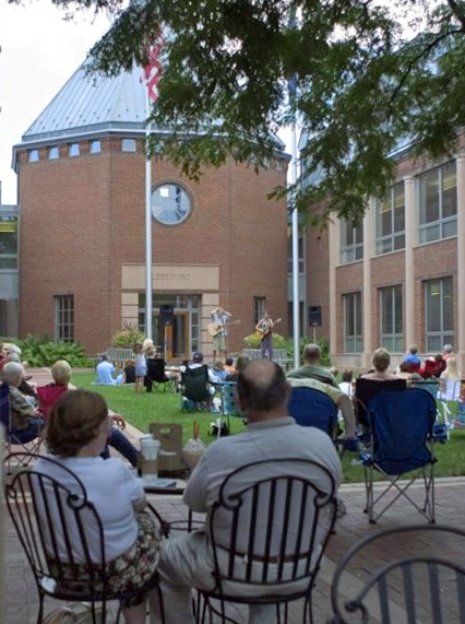 Acoustic on the Green Summer Concert Series